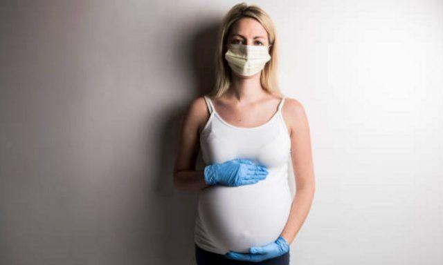 Mujeres gestantes frente al COVID-19 - Fórmula Médica
