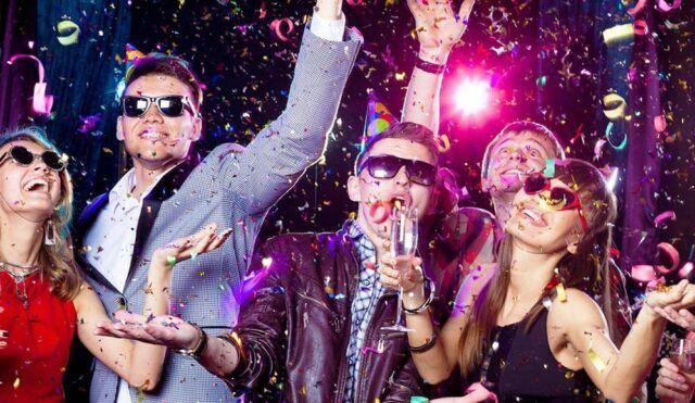 Las fiestas son los superdiseminadores - Fórmula Médica