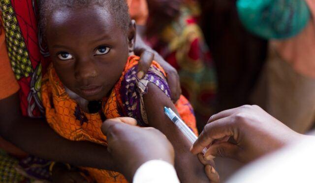 Vacunas en el África - Fórmula Entretenimiento