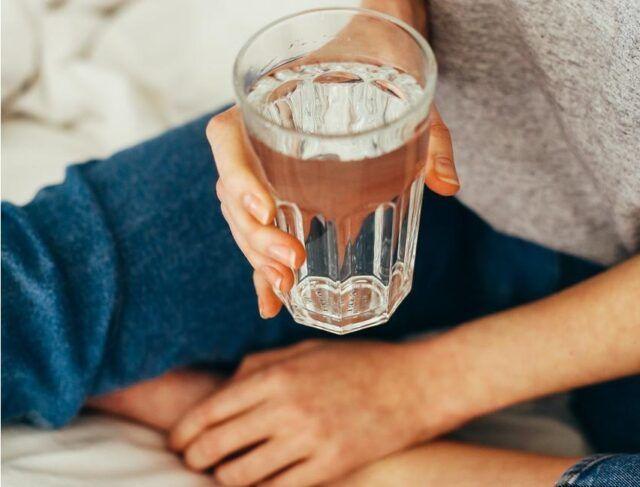Tomando agua - Fórmula Médica